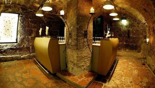caverne e1285198604589 Old & New   Arthotel in Salzburg