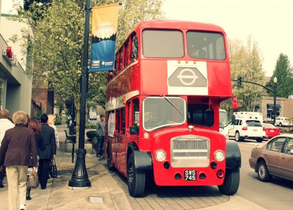 bus 1 e1302725422797 Home Tour : London Style