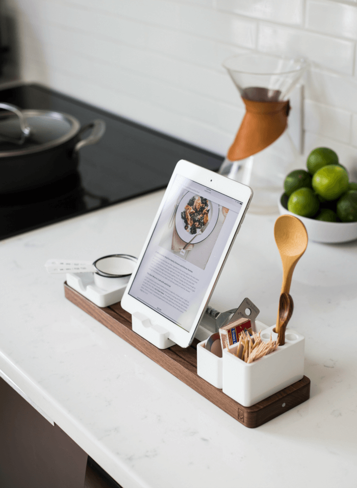 Keep gadgets together and displayed nicely